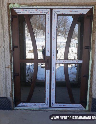 Ușă PVC si geam termopan